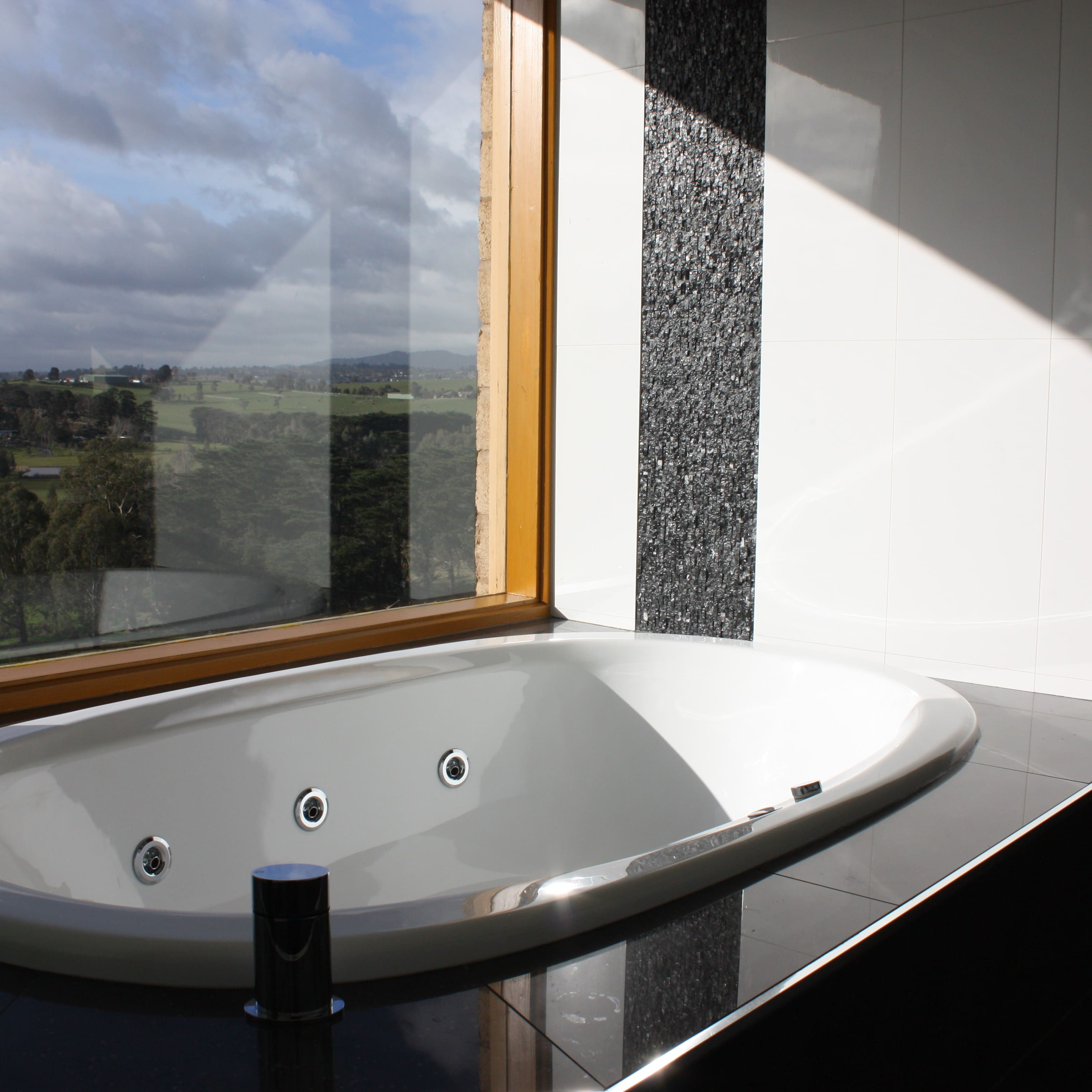 Bathroom Windows - Bathroom Renovations Melbourne